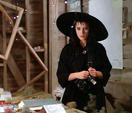 http://www.cineclub.de/images/1988/11/beetlejuice-3.jpg