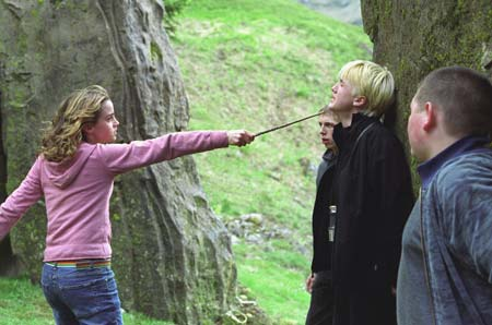 http://www.cineclub.de/images/2004/06/harry-potter-3-4.jpg