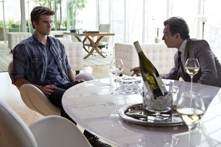 Liam Hemsworth in Paranoia - Riskantes Spiel