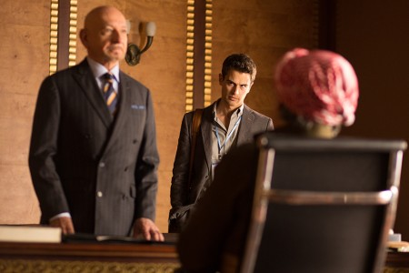 Backstabbing for Beginners (mit Theo James und Ben Kingsley)