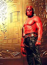 Ron Perlman als Hellboy