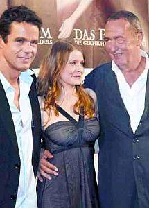 Regisseur Tom Tykwer, Rachel Hurd-Wood & Produzent Bernd Eichinger (v.l.n.r.)