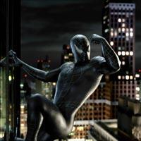 Der neue pechschwarze Anzug verleiht Spider-Man (Tobey Maguire) ungeahnte, aber nur schwer zu kontrollierende Kräfte.