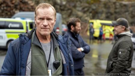 Sven Nordin am Set von Wisting in Larvik beim Dreh der zweiten Staffel im Dezember 2020